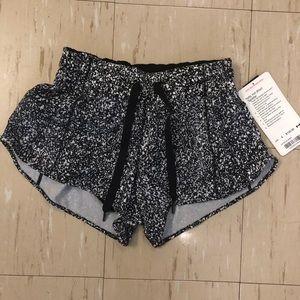 lululemon athletica Shorts - 🆕Rare Reflective Lululemon Hotty Hot Short